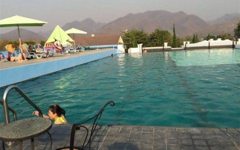 防晒霜污染游泳池怎么回事 防晒霜真的会污染游泳池吗
