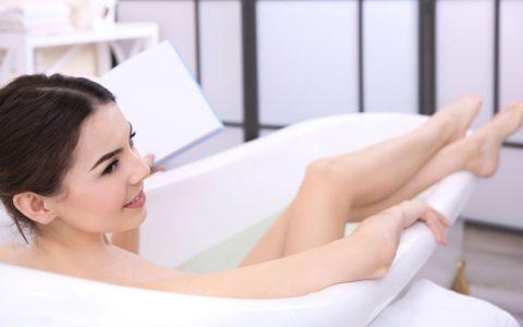 惹火娇妻嫁一送一 和娇妻在浴缸里做了那事