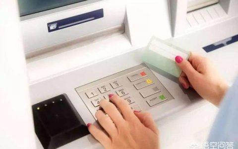 我欠了信用卡和小贷公司的钱,现在好多小贷公司都倒闭了,不知道用不用还,会不会坐牢?