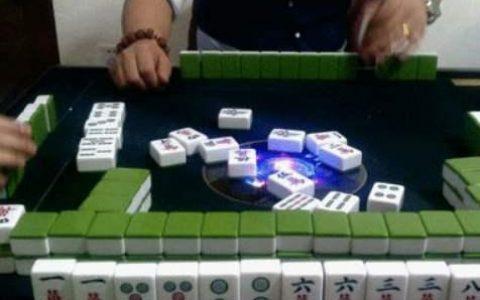 成都市的麻将馆里面,天天打麻将的人,他们的经济来源靠什么?
