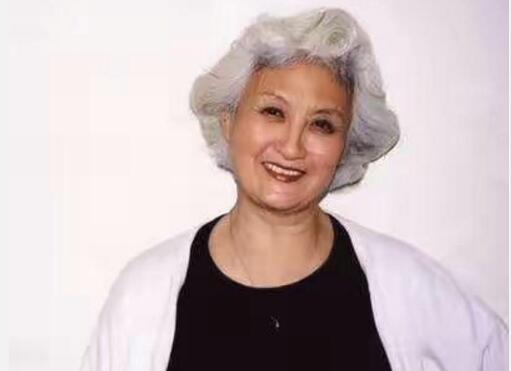 """表演艺术家黄宗英去世 50年代红遍旧上海的""""甜姐儿"""""""