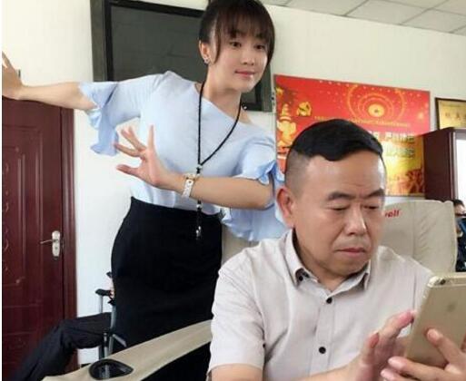 潘长江闺女潘阳2018去世是真的吗 潘阳到底死没有死