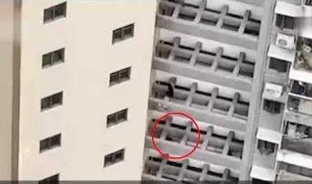 旬老人疑因抑郁从19楼坠亡