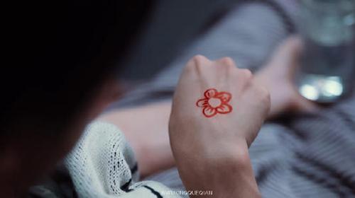 送你一朵小红花是什么类型的电影 有爱情线吗原著是什么